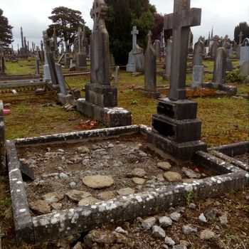 Headstones Cleaning